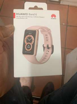 Hauwei band 6 watch new in a box sealed necer used before