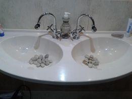 Umywalka dwukomorowa