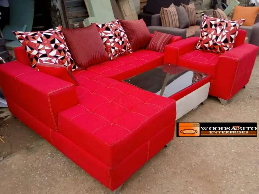 Complete set of sofa with a table at a promo price 0