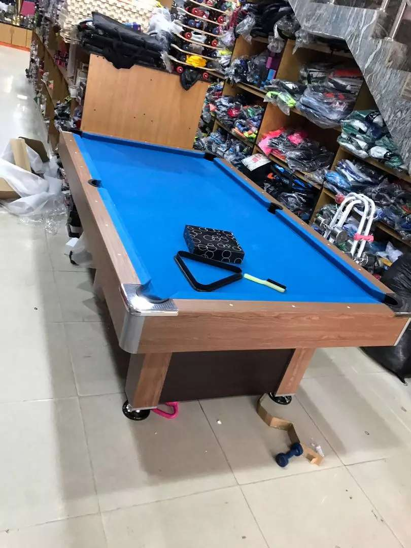 Snooker pool table 0