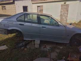 BMW 318is breaking up for spares