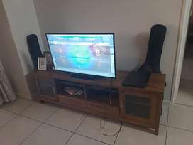 Tv unit, couch and coffee table selling all for R4000