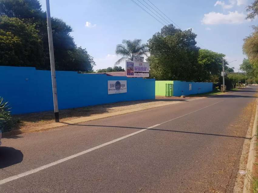 PRIME PROPERTY WITH MAIN ROAD EXPOSURE FOR SALE 0