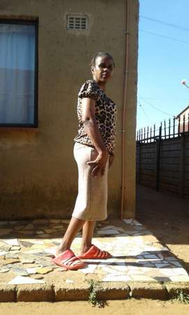 Smart and experienced Lesotho maid/nanny needs stay in work