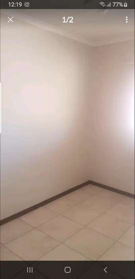 A bedroom to rent in a...2 bedrooms flat