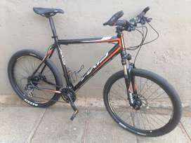 """26"""" Axis A70, Extra Large Frame, Shimano 24spd, Hydraulic Brakes"""