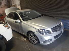 W204 facelift for Stripping