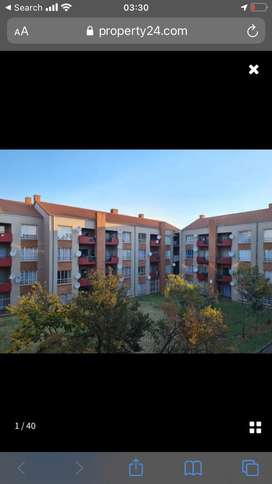 A room is available in a 2 bedroom apartment
