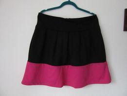 House spòdnica spódniczka różowo czarna lekko kloszowana