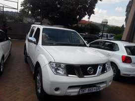 Nissan Pathfinder 2.0 Diesel SUV Automatic For Sale