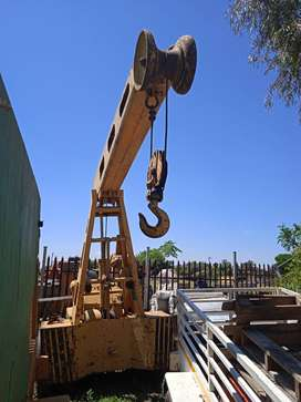 Hyster Crane for sale