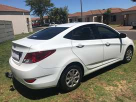 2014 Hyundai Accent 1.6 gls Fluid sedan