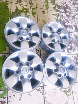 Magrims 15Inch 6Holes TOYOTA HILLUX Magrims A Set Of Four On Sale