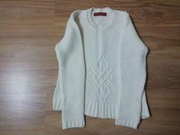 Белый свитер, женский