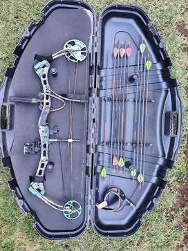 Bear compound bow left hand