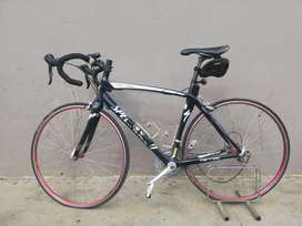 Specialized tarmac pro and Cycle Tronmag Indoor cycle trainer