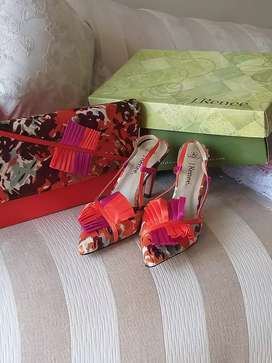 J Renee size 5 shoes and bag