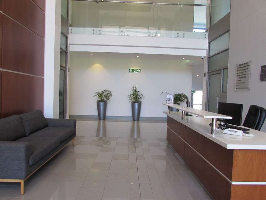 133m2 Office To Let in Century City 0