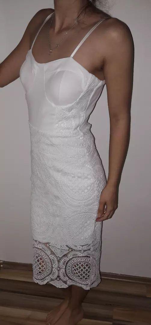Šaty .. 0
