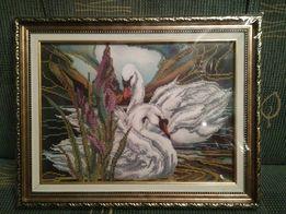 """Продам картину бисером """"Лебеди и ирис""""."""
