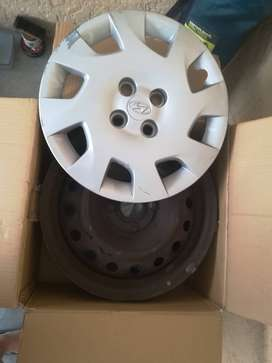 4x 15 inch rims with cover /pcd 100