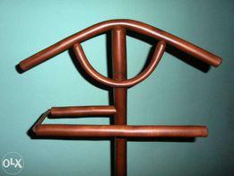 Плечик (подставка для одежды) из натурального дерева мебель из лозы