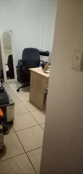 Room available in a 2  Bedroom Flat