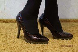 новые кожаные туфли, р-р 35