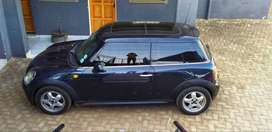 2008 mini cooper with sunroof and 2doors