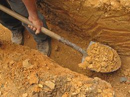 Копаю траншеи и сливные ямы