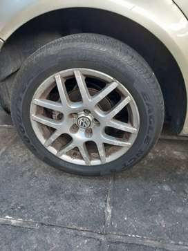 Golf 4 gti rims with tires R5000