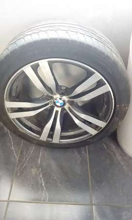 2012/2013 X5m sport stripping for spares