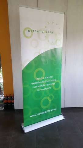 Advertising retractable pop-up banner stand
