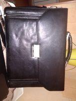 Продается сумка-портфель из качественного кожзама.