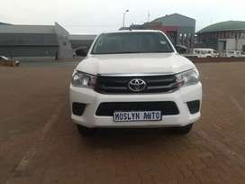 2016 model Toyota Hilux very clean