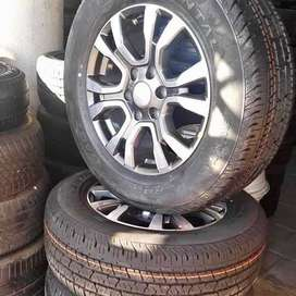 18'' Ford Ranger wild-track original mags and tyres new