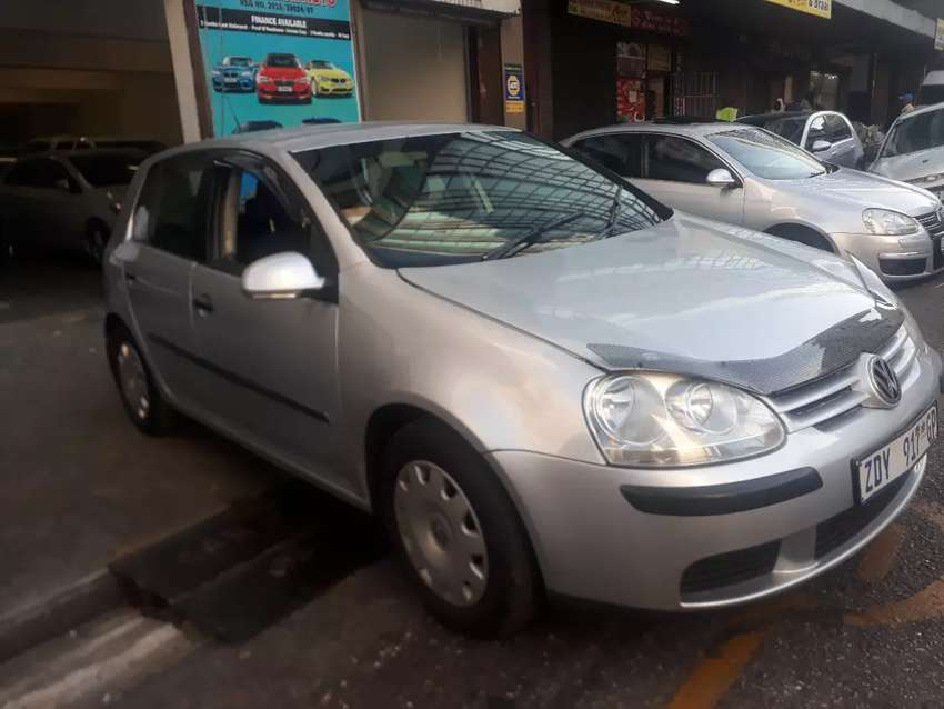 Volkswagen Golf 5 R 64 000 negotiable 0