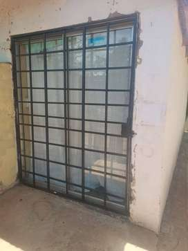 Shop/Office space for rent