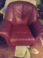 Шкіряне крісло