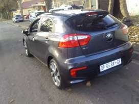 KIA RIO HATCHBACK 1.4 WITH SUN ROOF IN EXCELLENT CONDITION