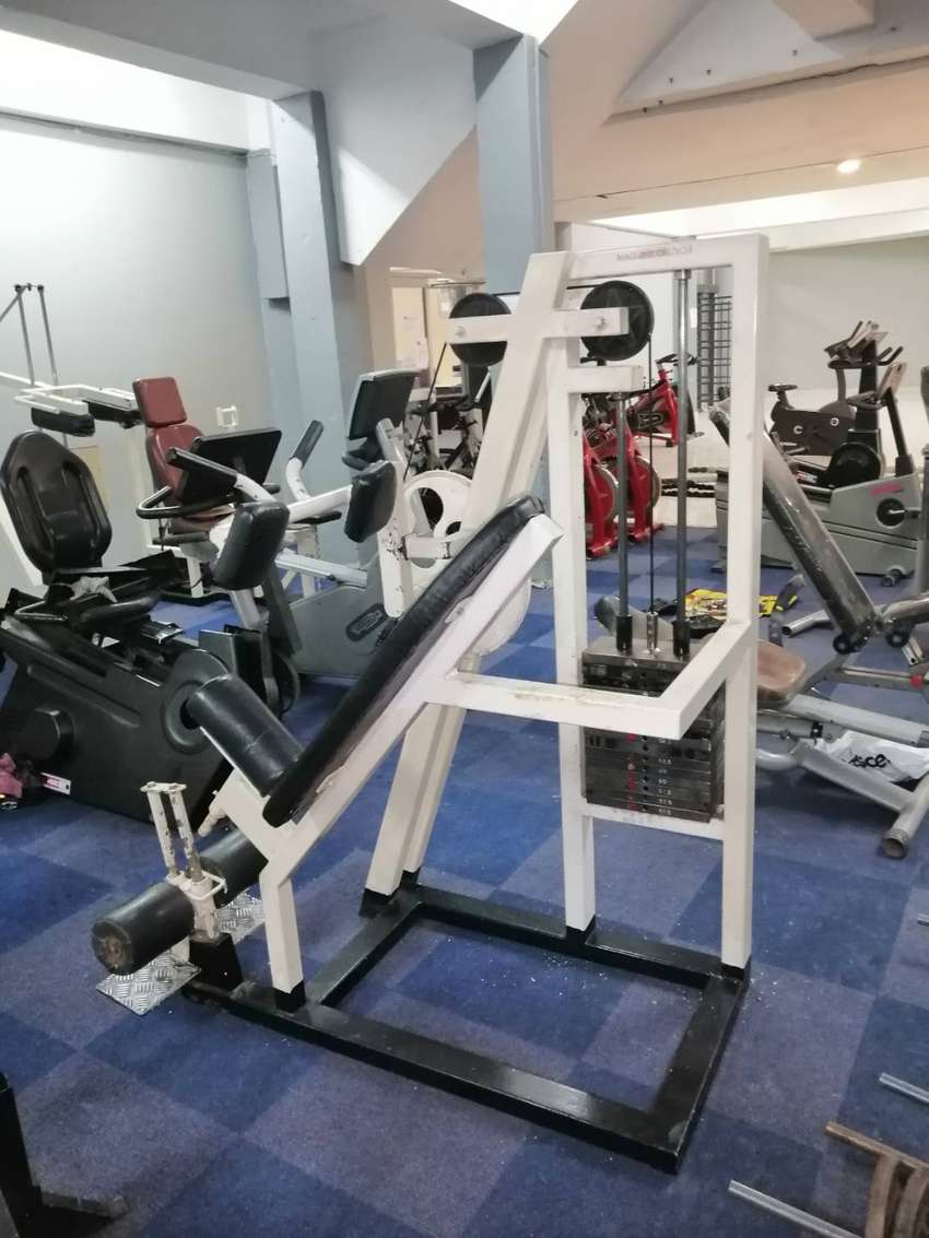 Gym equipment and Spinning bikes 0