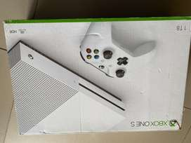 Brand new and sealed XBOX ONE 1 TB