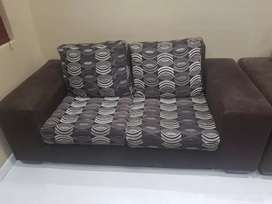 Hi there I'm selling 2x2 setar lounge suite in good condition