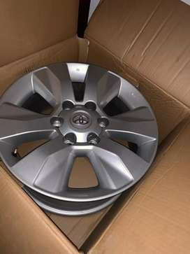 """17"""" Toyota GD6/Hilux mag wheels with caps."""