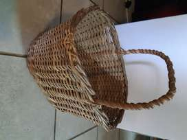 Carry basket woven brown