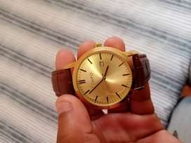 Gold tempo watch