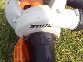 Stihl 56 leave blower with bag (  petrol )