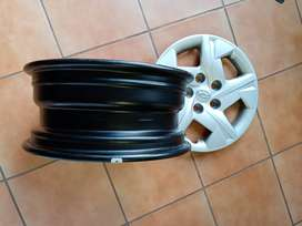 """rims 15"""" x 4 with hyundai covers"""