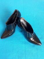 Осенние женские туфли -ботильоны 35 размер высокая шпилька