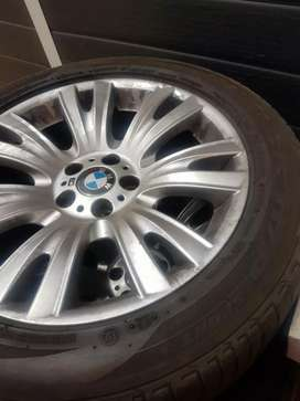 """X5 19""""  4 xRims and 3 x tyres"""